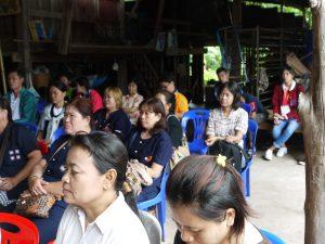 2599-07-05 อบรบชาวบ้าน หัวสะพาน rinac