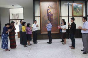 บุคลากรร่วมสวัสดีปีใหม่ ผู้อำนวยการสถาบันวิจัยศิลปะและวัฒนธรรมอีสาน